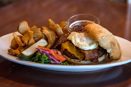 Farmhouse Burger - Norm's of Yakima - Yakima Restaurant and Pub